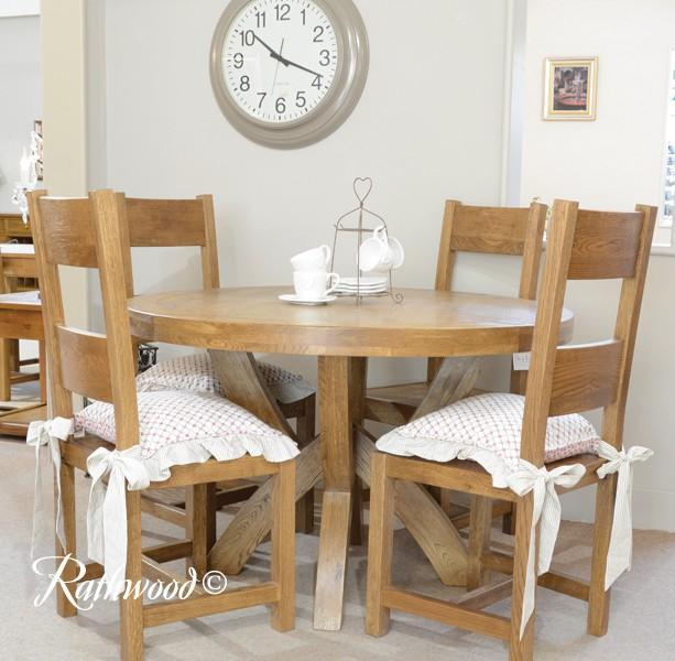 Fitzwilliam Oak 1 2m Round Dining Table