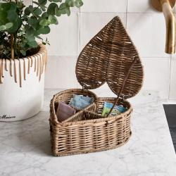 Rustic rattan heart shape tea box